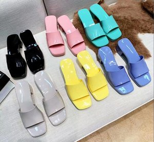 Luxury ladies sandals, rubber-soled slippers, square heels, the highest quality, a variety of colors, sizes 35-40