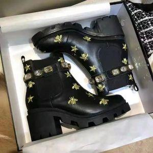 Martin boots Luxury Designer 2021fashion cowboy Desert Platform womens winter100% real leather chunky heels 5cm heavy duty soles