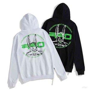 Sudaderas de la cabeza de conejo Bordado de letras verdes y suéter para mujeres y mujeres C136