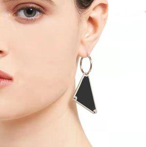 Mode extravagant Schmuck Luxus Frauen Design Baumeln Ohrringe mit Buchstaben Elegante Frau Ohrstecker Kronleuchter Klassischer Stil Hohe Qualität