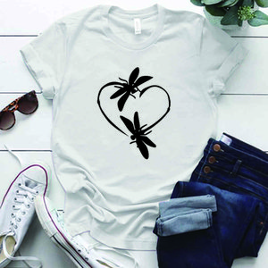 Dragonfly Love Heart Parted Tshirt Круглый шеи Повседневная летние женщины Графические футболки Tee Tops Одежда CamiSetas Mujer