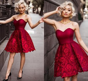 2021 Dark Red Strapless Prom Homecoming Dress Short Lace Open Back Graduation Dresses For High School Party Cocktail Evening Gowns Mini
