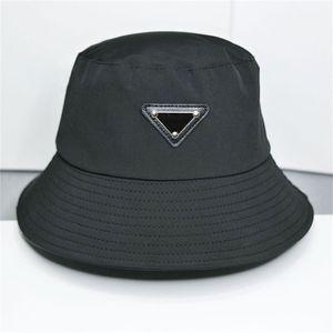 Tasarımcılar Kapaklar Şapka Erkek Bonnet Beanie Kova Şapka Bayan Beyzbol Şapkası Snapbacks Beanies Fedora Gömme Kadın Lüks Tasarım Chapeaux