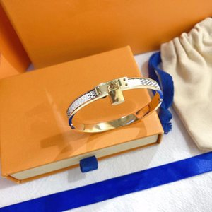 Luxury Jewelry Feminine bracelet Leather Designer with Gold Heart Brand logo on a high end elegant fashion four