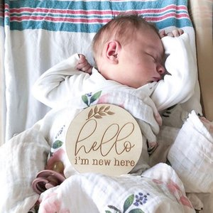 20pcs hello i'm new here wooden Baby Milestone Cards Engraved Prop baby shower gifts