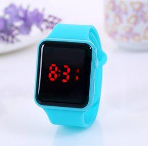 Atacado Childrens LED Assista Criativo Square Dial Moda Luminosa Relógios Estudantes Candy Color Geléia Digical Relógios Relógios