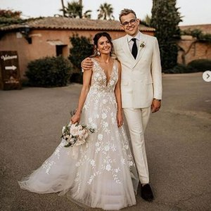 Gali Karten 2021 A line Boho Wedding Dresses Sexy Deep V Neck Lace Appliqued Illusion Tulle Bridal Gowns