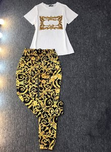 Mulheres Designers Roupas 2021 Femininas Tracksuits Luxo Duas Peças Calças Definir Outfits Carta Color Sólido Manga Curta Trouswuq9