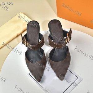 Sandalias de tacón alto Las mujeres puntiagudas puntiagudas de la moda Sandalias de la moda Millas de cuero de la patente Millas planas Mules de diseño Sandalias con estilete con caja