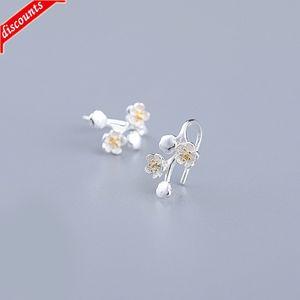 Mori fashion plum blossom Earrings women's simple New Fashion Small Flower ear hook small fresh temperament clip