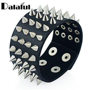 Luxury Designer Jewelry Unique Four Rij Spits Toelopend Spikes Rivet Stud Wide Manchet Leather Punk Gothic Rock Unisex Bangle Bracelet Men Sierades S263