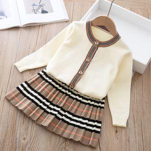 Arrivée Girls Mode Tricoté 2 pièces Ensembles Jupe Jupe Jupe Jupe Enfant Filles Boutique Tenue Baby Girl Vêtements 493 Y2