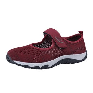 Top Fashion Breathable Women Casual Shoes Mesh Lacesless Designers Sneakers Mom Grandmas Walking shoe Buckle Strap Trainers Black Grey Puple Pink Size 34-40
