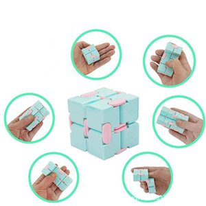 Educational leisure and creative toys Transformers finger infinite student toy pocket Rubik's cube flip box upgrade unlimited cubes