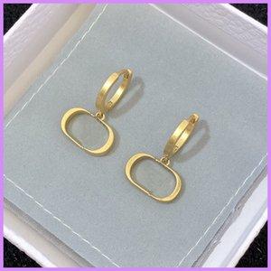 Fashion Stud Pendiente de lujo Diseñador de lujo Pendientes de joyería 2021 Boucles d'Oreilles Mens Gold Color Fiesta Boda con caja D217125F