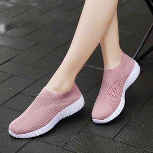 2020 Women Sneakers Vulcanized Shoes Sock Sneakers Women Spring Summer Slip On Flat Shoes Women Plus Size Loafers Walking Flat C0410