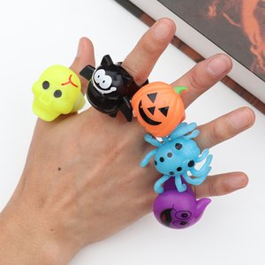 Halloween Bat Ghost Funny Plastic Rings Pumpkin Luminous Finger Rings Skull Toys Party Halloween Props Luminous Finger Ring BH2401 TQQ