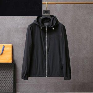 봄과 여름 얇은 자켓 야외 태양 보호 윈드 브레이커 후드 지퍼 삼각형 스티커 스트립 패션 캐주얼 블랙 포켓 남자