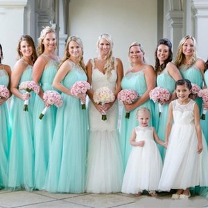 2021 Cheap Mint Green Bridesmaid Dresses Tulle Sheer Neck Halter Floor Length Ruched Pleats Maid of Honor Gown Bech Wedding Guest Wear