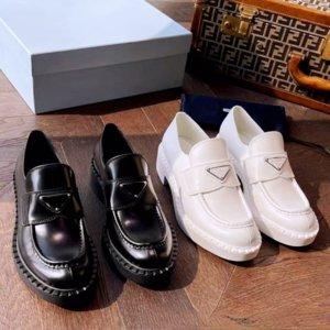 Primavera e autunno New Women's Black Black PU Designer in pelle PU Scarpe da donna Scarpe da donna casual da donna