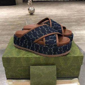 Роскошные плоские сандалии дизайн вышивка для вышивки черные толстые тапочки неглубокий пляжный досуг крытый комплект аксессуаров 35-41Shoe008 3-11