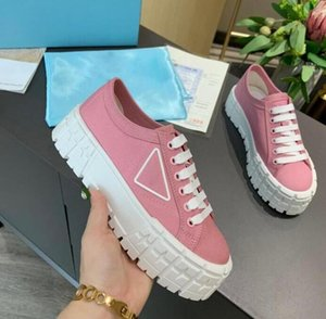 Designer Women Nylon Casual Shoes Gabardine Classic Canvas Sneakers Brand Wheel Lady Stylist Trainers Fashion Platform Solid Heighten size 35-41