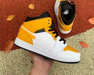 Top Sport Market Hommes Femmes Basketball Chaussures Jumpman 1 1S Mid Blanc Université Or Black Baskers Sneakers Sports Sports Sports Sports Venez avec une boîte