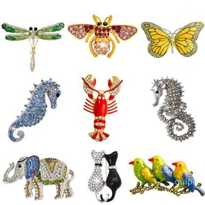 Wholesale- Retro Insect Dragonfly Butterfly Broach Bee Brooch Women Crystal Animal Elephant Cat Birds Sea Horse Broches Mujer Men Brosche1