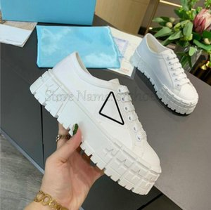 Double Wheel Canvas Sneakers Women Luxurys Designer Re-Nylon Shoes Triangle logo Chunky Rubber Sole Nylon Recycled Materials Shoe