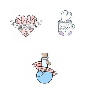 Wholesale Catoon значок Слезы мужской бутылки Кубок броши для женщин пряжа квазитенцы любят эмаль штифт булавки ювелирных изделий аксессуары643 T2