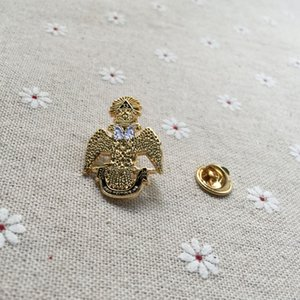Owl Casonry Jus Quality Pin Pin позолоченное отворота Масовой короны Деус Pins Броши 33-го масонской мемке и 10 шт. / Лот значок H014