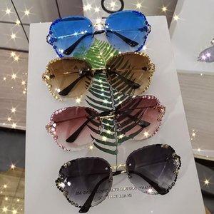 KAMMPT Luxury Fashion Glasses 2021 Women Vintage Sunglasses Diamond Rhinestone Sun Shades for