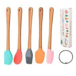 Выпечки печенье мини силиконовые шпатель скребок скребок, сбрасывая щетка ложка для приготовления пищи для приготовления пищи. Кухонные посуды.
