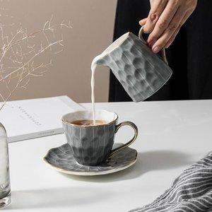 Bardaklar Sunanlar Avrupa Tarzı Lüks Kahve Fincanı Seti Yaratıcı Seramik Espresso Çevre Dostu Mate Gereçleri Tazas de Cafe Drinkware EB5BD