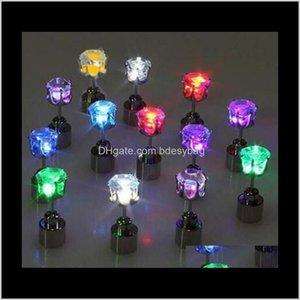 Bolzen-Drop-Lieferung 2021 Abkühlen von LED-Licht-Ohrstecker Shinning Ohrringe Bar Unisex Modeschmuck Geschenk für Frauen Damen Mädchen Geschenke PS1555 Jucx