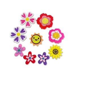 새로운 만화 꽃 PVC 고무 신발 매력 신발 액세서리 Clog Jibz 맞추기 손목 밴드 Croc 버튼 구두 장식 선물 GWC7641