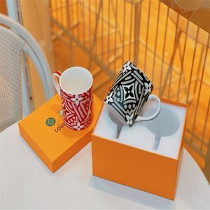 2pcs 클래식 스타일 머그잔 학생 도자기 고품질 컵 커피 우유 유니섹스 drinkware
