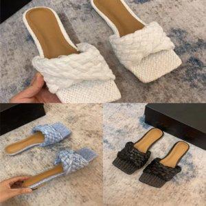 A5ABH Slides classici Sandali in gomma flip sandali uomo Designer Donne Donne Slipper di alta qualità Fashion Slipper Slipper Hole Beaches Flop Lussuosi Piatto