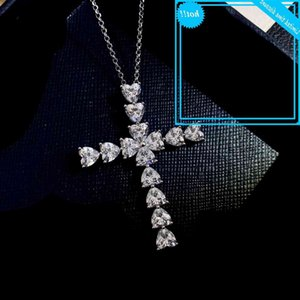 Charm Heart Cut Diamond Cross Hanger Real 925 Sterling Silver Game Bruiloft Hangers Chain for Women Moissanite Jewelry