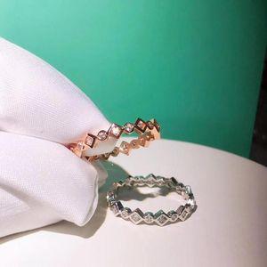Cluster Rings TSHOU73 Fashion 925 Sterling Silver For Women Round Zircin Jewelry Weddding Ring