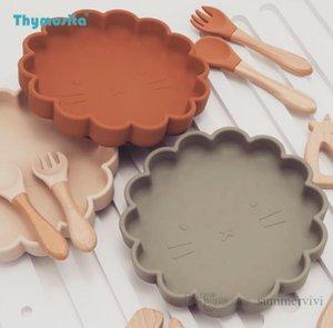 Baby silicone utensils sets kids flowers tableware shape Chuck plate+wooden handle spork 3pcs infant feeding food storage fruit bowl dinnerware Q2089