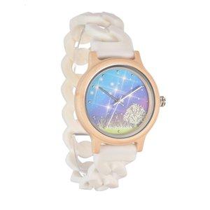 Watches 2021 Quartz Pastoral Ladies Fashion Trend Luminous Wood Watch