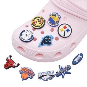 PVC Sport Shoe Decorations Ricambi ricambi Accessori Jibitz per Croc Charms Bracciali Braccialetti Bottoni da polso Braccialetti Buckle Party Favori Bithday Regalo