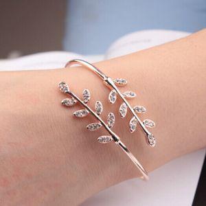 Luxury Designer Fashion Open Adjustable Bracelet Creative Tree Sheet Inserts Crystal Zircon Gold Women Temperament Jewelry Accessories