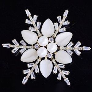 Opal Pearl Snowflake Brooches Pins for Women Fashion Temperament Bouttoniere 2021 Brand Jewelry Corsage