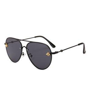 2021 Brand Design Lunettes de soleil Femmes Hommes Marque Designer de bonne qualité Mode Métal Sunglasses surdimensionnés Vintage Femme Mâle UV400