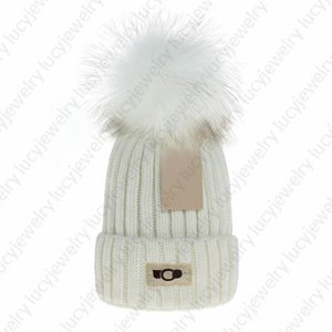 Designer Skull Caps Fashion Faux Fur Pom Beanie Breathable Warm Hat for Man Woman 7 Color Top Quality