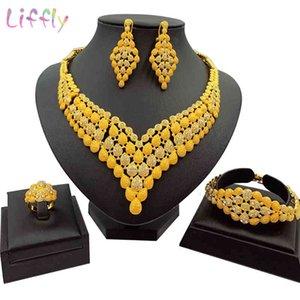 Ensembles de bijoux de luxe Mariage Party Crystal Dubai Gold Ensemble pour Femme Collier Boucles d'oreilles Bague Bracelet Classique