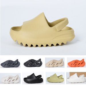 Verano niños zapatos niño niña juventud niño kanye oeste deslizamiento desierto arena playa zapatilla espuma corredor hueso de hueso
