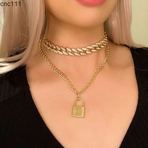 Exaggerated fashion jewelry inlaid with rhinestones Cuban chain retro simple wild lock pendant necklace for female gifts